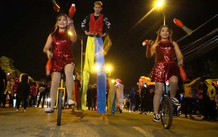 Chương trình biểu diễn nghệ thuật đường phố.