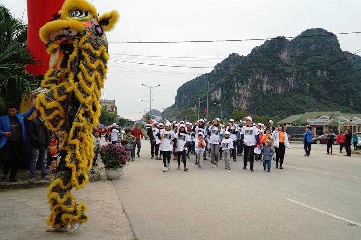 BQL Vườn Quốc gia Phong Nha – Kẻ Bàng đón những vị khách đầu tiên đến tham quan.
