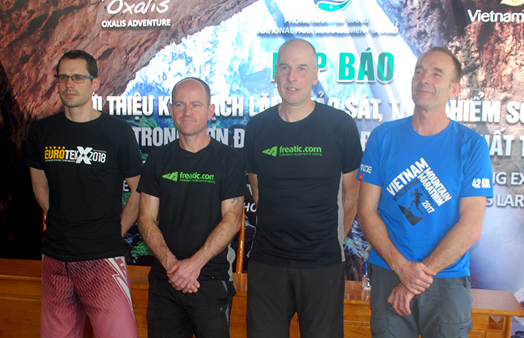 Các chuyên gia lặn hàng đầu thế giới đang chuẩn bị sẵn sàng cho đợt thám hiểm tại 600m sông ngầm từ hang Sơn Đoòng đến hang Thung.