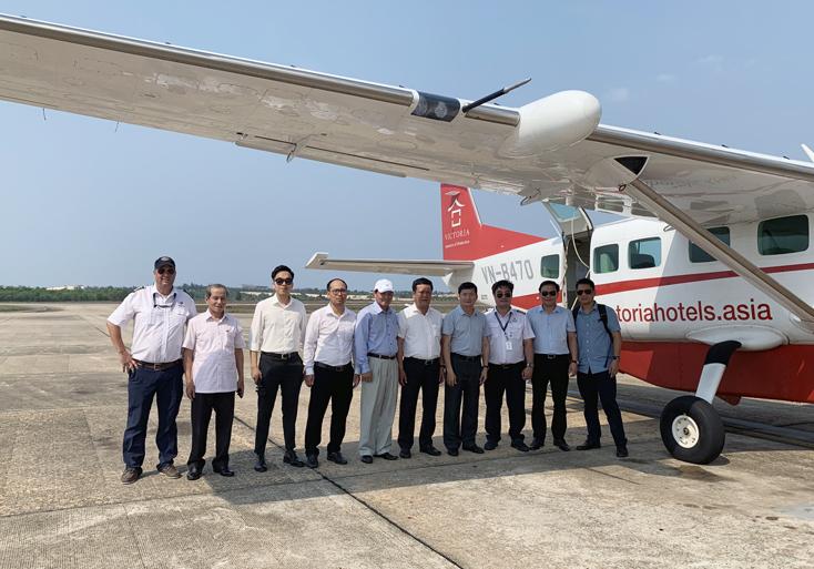Đoàn công tác tỉnh Quảng Bình do đồng chí Trần Tiến Dũng, Phó Chủ tịch UBND tỉnh làm trưởng đoàn thực hiện thành công chuyến bay thử nghiệm Đồng Hới-Đà Nẵng.