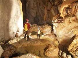 Đoàn thám hiểm Hoàng gia Anh đang khảo sát, thám hiểm các hang động tại Phong Nha - Kẻ Bàng