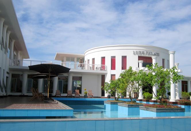 Nhà hàng Luxe Palace