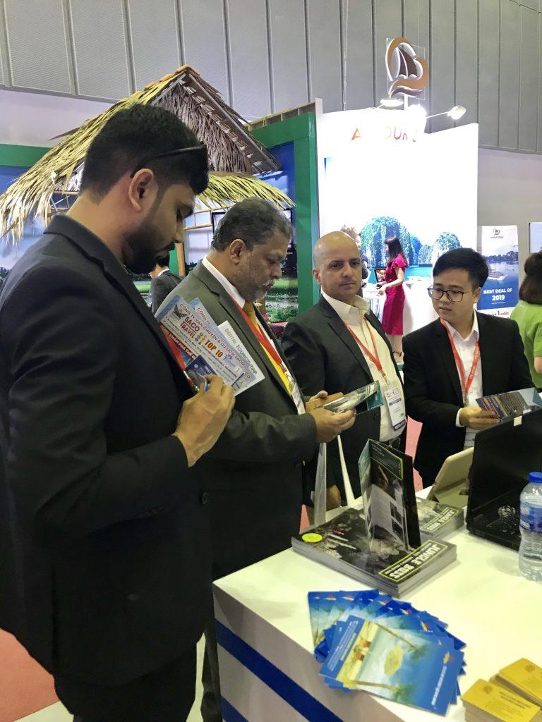 Các đơn vị lữ hành quốc tế tìm hiểu thông tin du lịch Quảng Bình